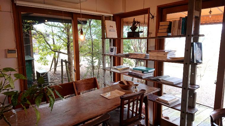 hideout-cafe-fukuoka1