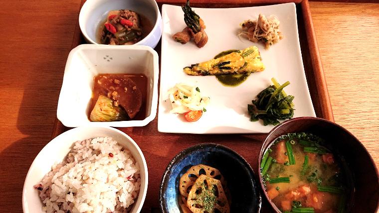 unusual-lunch-cafe-fukuoka2