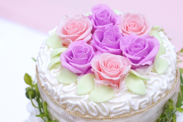 cake-style-birthday-present2